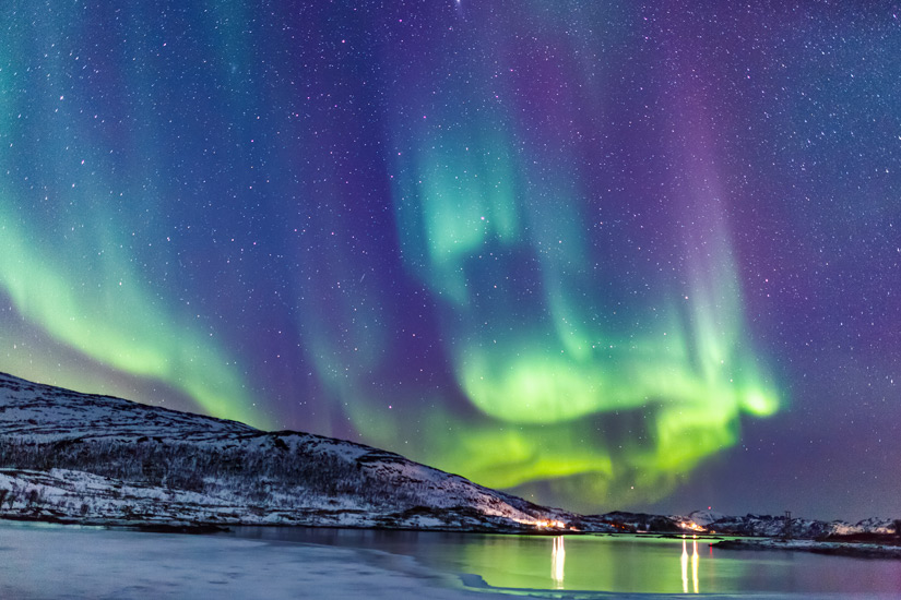 Bunte Nordlichter am Himmel