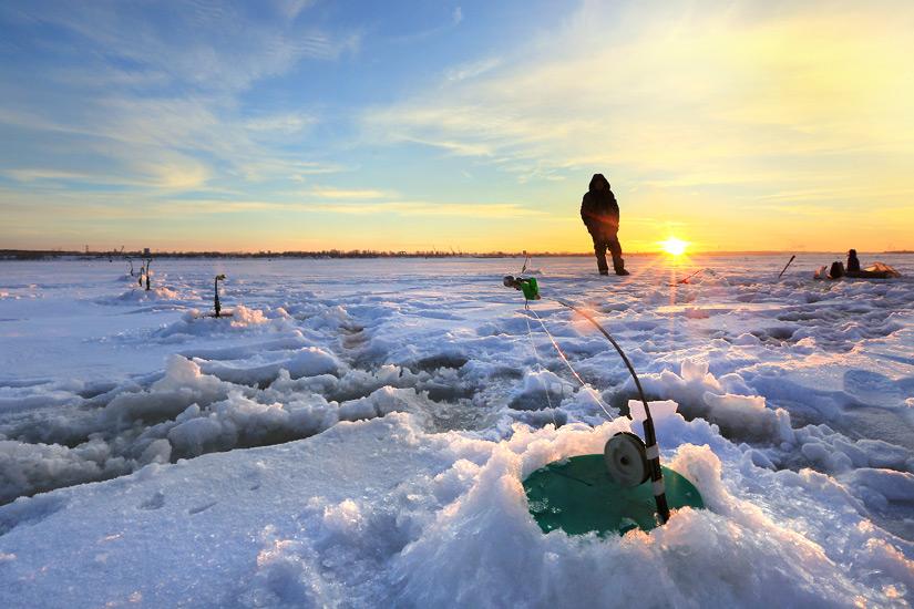 Eisangeln im Winter