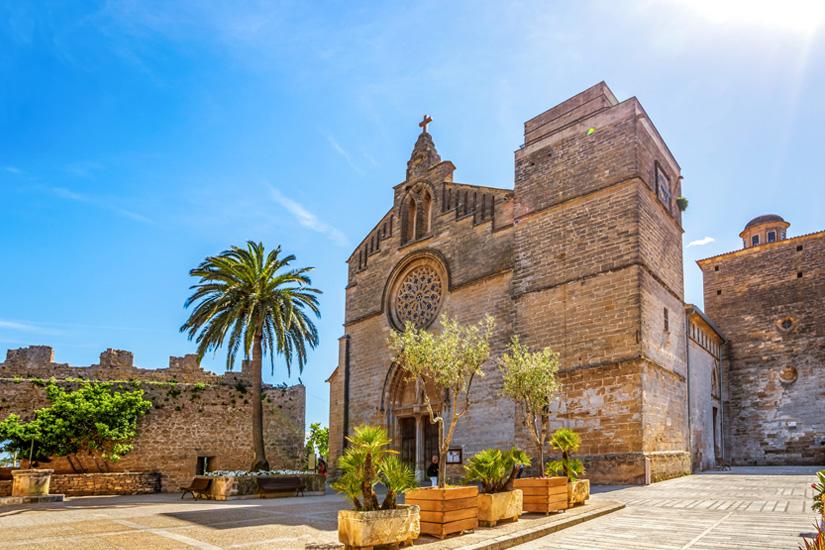 Kirche-Historische-Altstadt-Alcudia