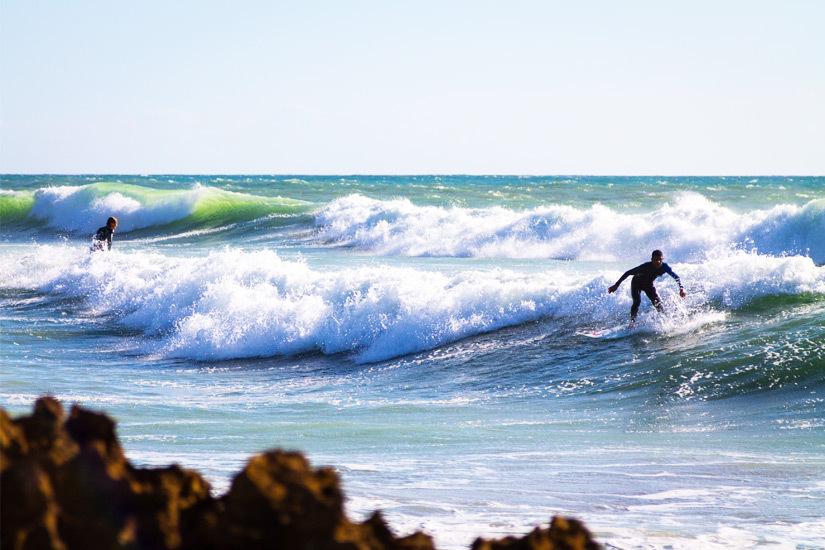 Surfer im Atlantik vor Agadir