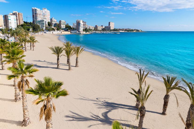 Die fuer Familien geeignete Playa San Juan