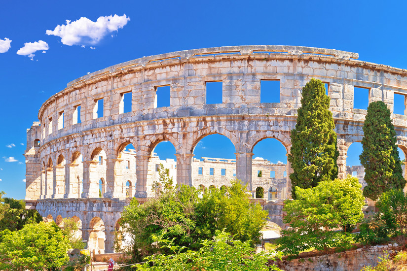 Das Amphitheater in Pula