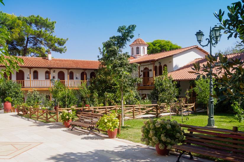 Garten und Gebaeude des Klosters Faneromeni