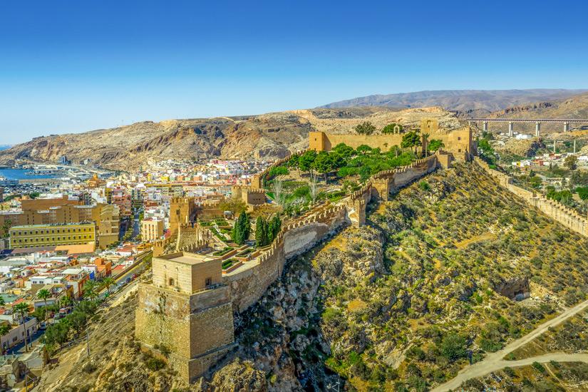 Blick auf Almeria und die Burg