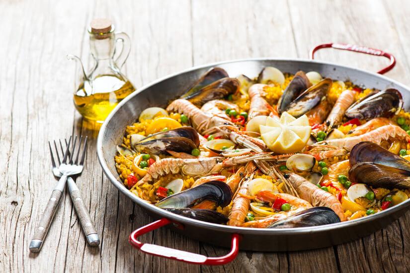 Paella Reis und Meeresfruechte