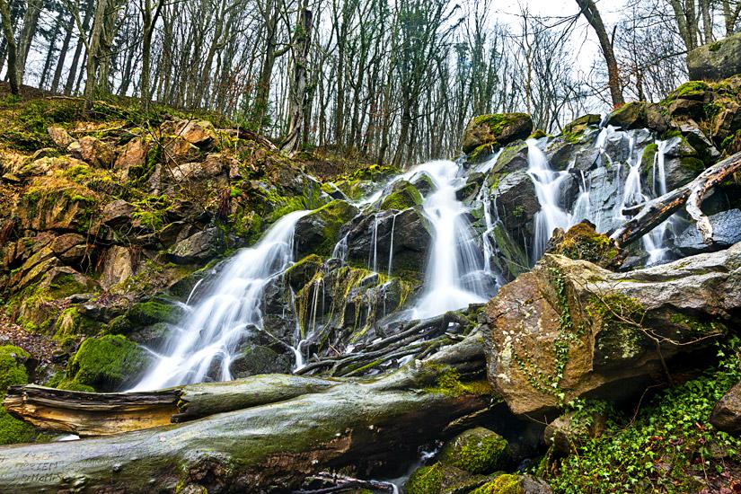 Der Dondalen Wasserfall