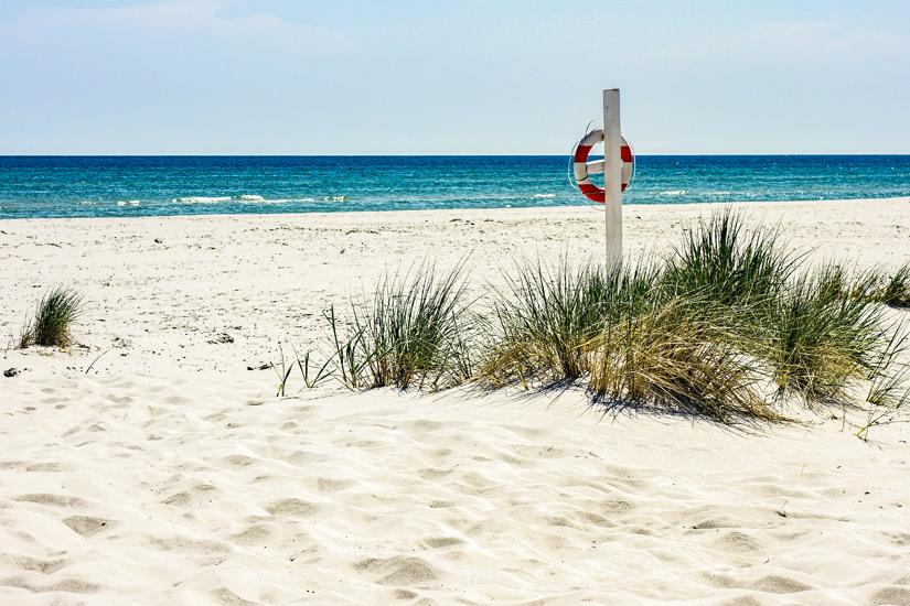 Rettungsring am Strand von Dueodde