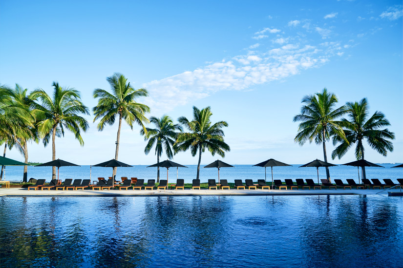 Pool direkt am Meer vor Fidschi