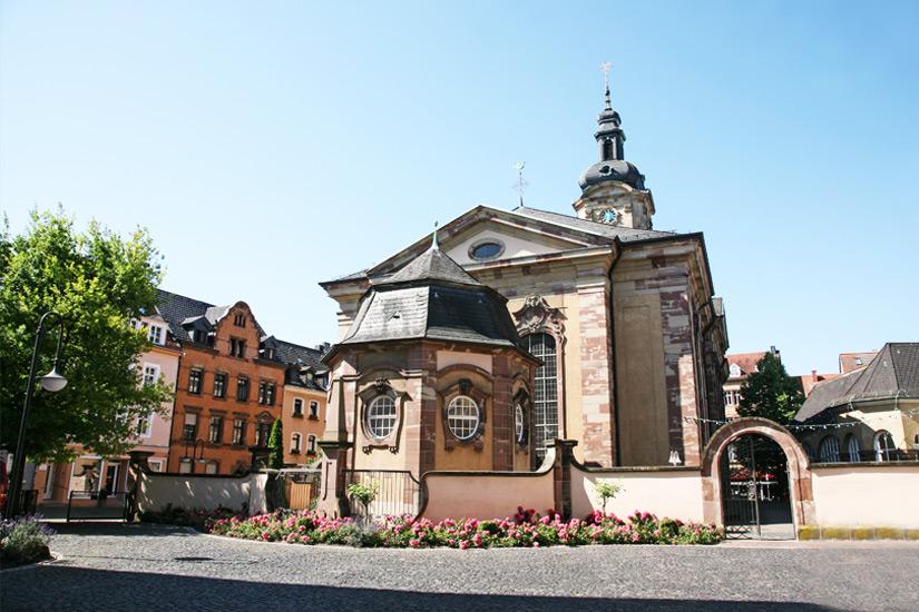 Basilika St Johann im gleichnamigen Stadtteil