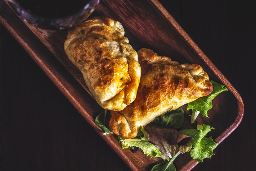Mit Lamm gefuellte Empanadas