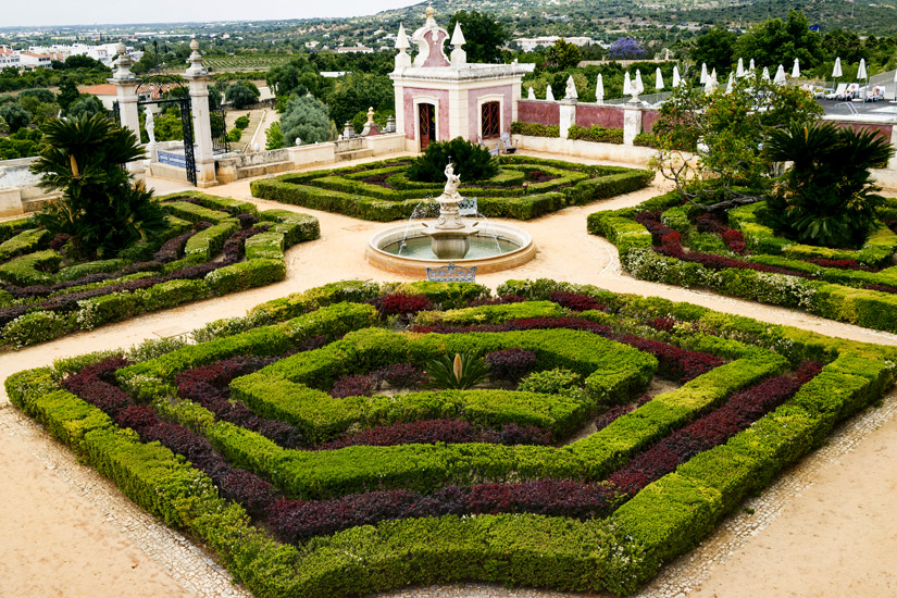 Garten-des-Palast-de-Estoi