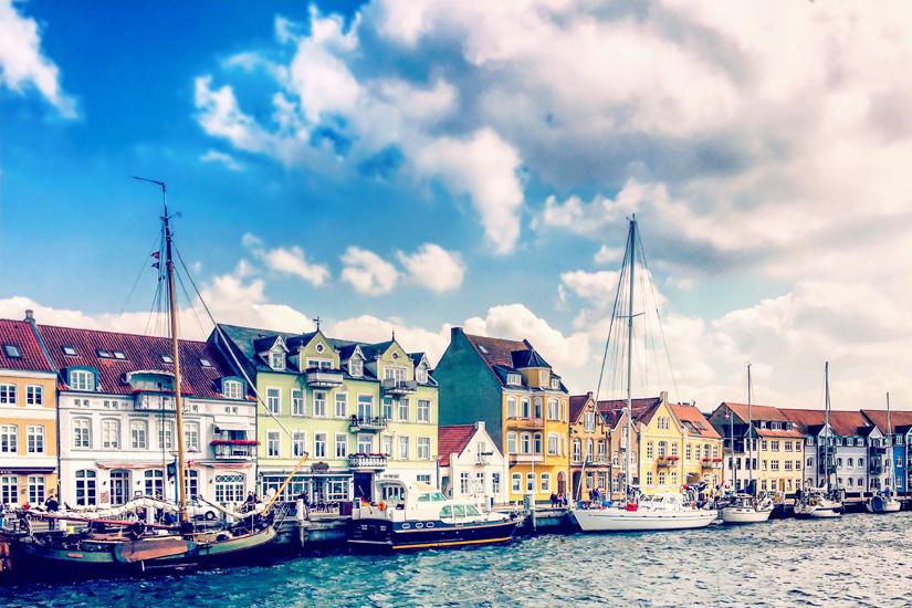 Im-Hafen-von Sonderborg-promenieren