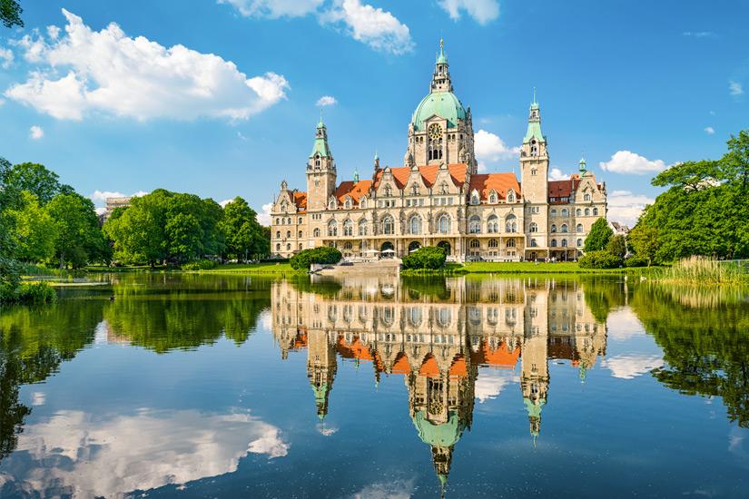 Das-Neue-Rathaus-am-Maschteich