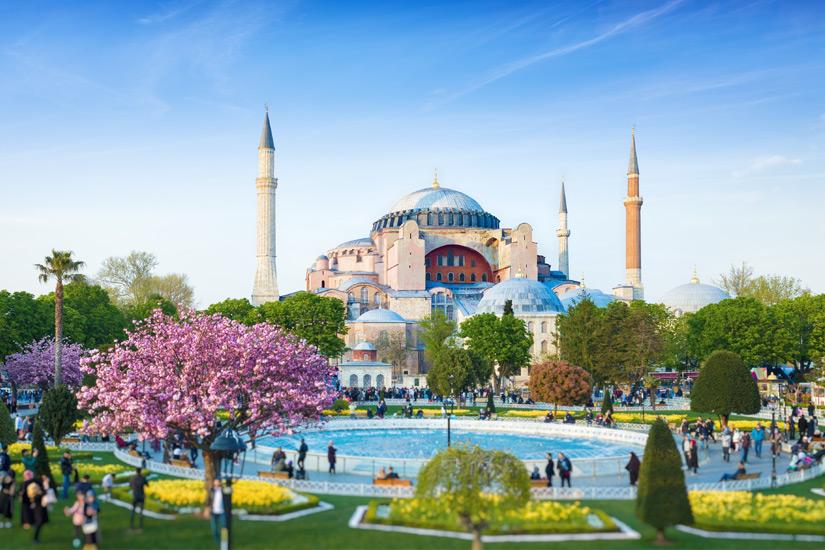 Die-Hagia-Sophia-in-Istanbul