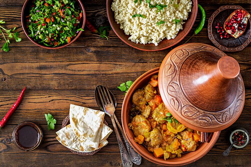 Tajine-Couscous-und-Salat