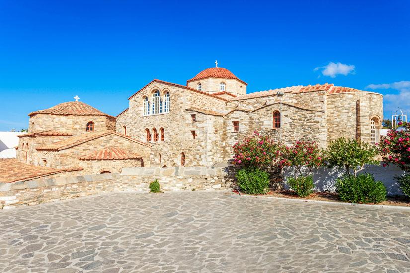 Kirche-Panagia-Ekatontapylian-in-Parikia